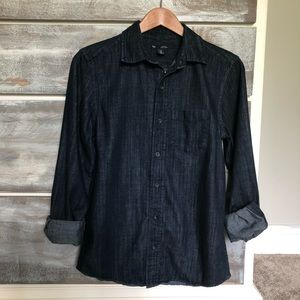 Gap Classic Fit Button Down Denim Shirt XS